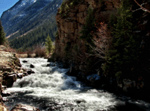 Mountains River  screensavers  nfsMountainRiver04HD