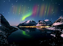 Lakes  screensavers  nfsWinterNorthernLights
